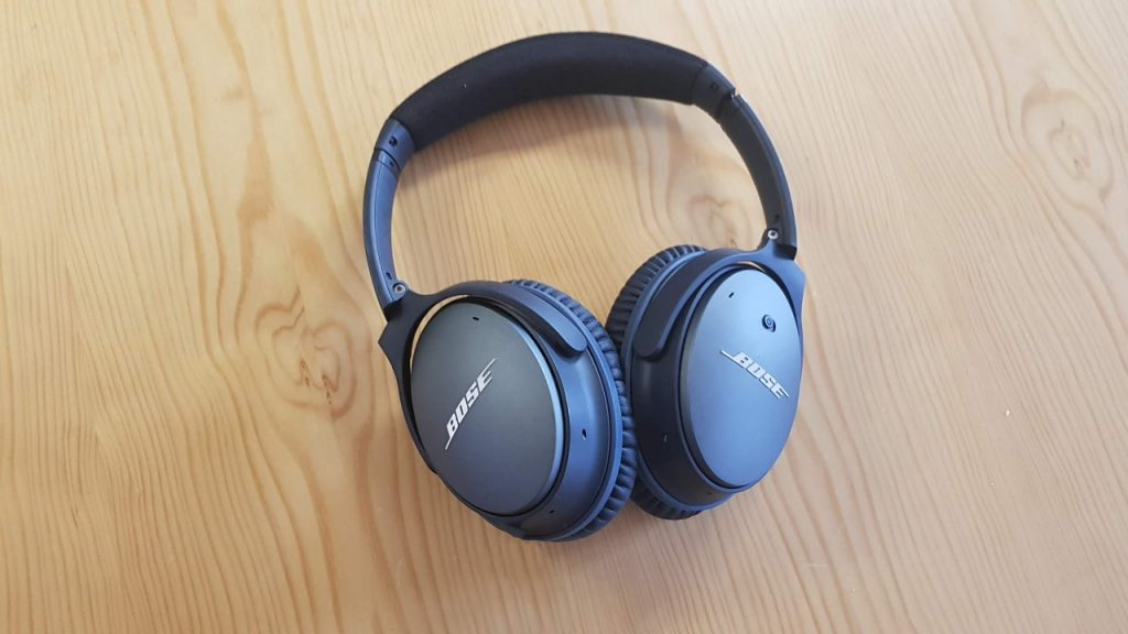 Bose QuietComfort 35 Koss Porta Pro Audio Technica M50x Shure SE315-CL Panasonic RP-NJ300BE Samsung AKG EO-IG955 Apple AirPods