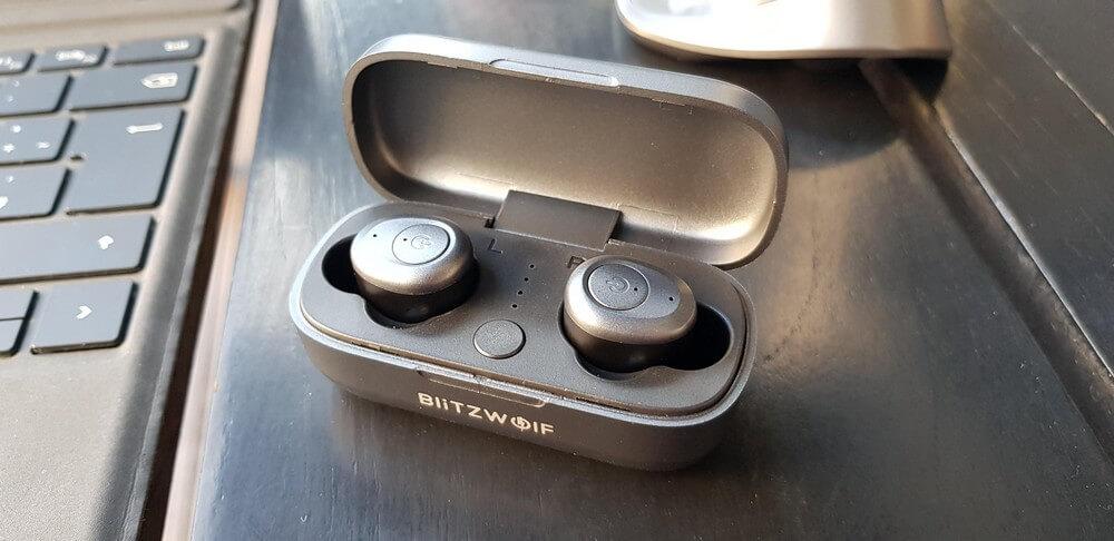 Blitzwolf BW-FYE4 AirPod Alternative EarBuds in Case
